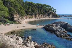 Un lugar donde vivir (Kasabox) Tags: mar sea playa beach cala giron emporda ampurdan relax dream sueño vida life love color colour pirata verano summer