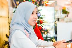 Portrait of her #2 (solgraphie) Tags: 50mm nikon candid cafe friends portrait