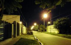 Calle de barrio por la noche(2) (jagar41_ Juan Antonio) Tags: barrio noche calle luján buenosaires provinciadebuenosaires argentina