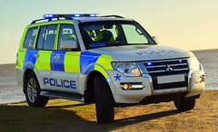 Civil Nuclear Constabulary - Armed Patrol Vehicle (Chris' 999 Pics) Tags: civil nuclear constabulary power station cnc mitsubishi shogun 4x4 off road arv apv armed response patrol vehicle firearms weapons 999 112 emergency law enforcement suffolk coast beach sea