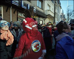 the laughing cow (JJ.BT) Tags: karnaval dunkerque malolesbains kodakportra400 mamiya7ii 43mmf45