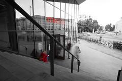 modulor (takupanda) Tags: modulor waiting rendezvous woman red stairs long exposure berlin germany 待ち合わせ 赤 ベルリン ドイツ 階段