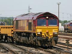 66230, Eastleigh, June 9th 2006 (Southsea_Matt) Tags: 66230 class66 ews dbs emd gm diesellocomotive eastleigh hampshire england unitedkingdom june 2006 summer canon 300d train railway railroad transport vehicle freight