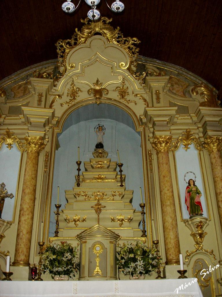 Águas Frias (Chaves) - ...altar mor da igreja matriz da Aldeia ...