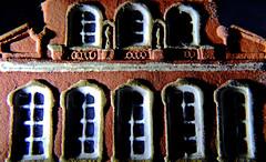 Buddenbrookhaus (Lübeck) (dl1ydn) Tags: macromondays keramik ceramics mm lübeck schleswigholstein wandkeramik rodenstock heligon macro 50mmf19 manual nahaufnahmen vintage oldlens altglas hardlight seitenlicht