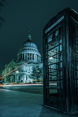 Phonebox and St.Pauls (gaztotalmods) Tags: classic zeiss1635f4 zeiss sony a7iii phonebox lighttrails longexposure london stpauls