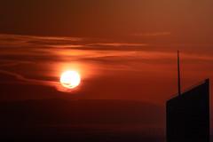 (Laetitia.p_lyon) Tags: fujifilmxt2 lyon leverdusoleil sunrise incity