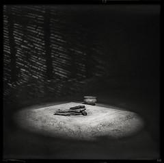 fireplace (*altglas*) Tags: fireplace dark antique mediumformat mittelformat 6x6 120 film analog expired expiredfilm orwo orwonp27 bw monochrome zeiss superikonta