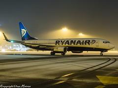 Ryanair EI-DHV (U. Heinze) Tags: aircraft airlines airways airplane planespotting plane night nightshot haj hannoverlangenhagenairporthaj eddv olympus