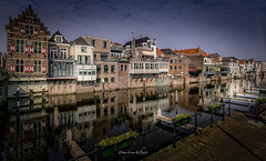 Gorinchem 2019 (EBoss Fotografie) Tags: gorinchem lingehaven holland nederland street building sky water reflection town city architecture canon canal soe twop supershot netherlands