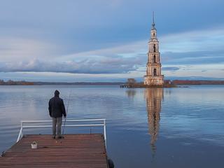 Silent fishing in Kalyazin