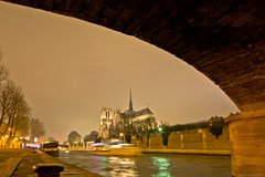 Notre-Dame de Paris. París, Francia. (pablocba) Tags: water sena river rio notre dame notredame de paris parís francia france night cloudy nublado nikon d7100 parisienne parisino puente bridge ile saine