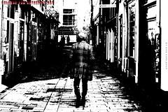 """Der Kapitän"" (Cologne Cam Authentic Art) Tags: art kunst urban city street streetshot streetphoto streetphotography people blackandwhite blackwhite bw schwarzweiss monochrome light contrast bwphotography abstract düsseldorf duesseldorf germany deutschland"