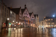 Frankfurt night v2 (David S.M.) Tags: frankfurt germany travel city night lights rainy rain old downtown square town sonya7iii samyang35mm28 stone buildings