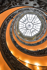 Italie- Rome - Vatican - L'escalier de Bramante (regis.grosclaude) Tags: roma vatican lescalier bramante rome italie italia stair orange staircase