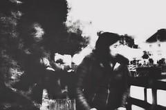 Éblouie (LUMEN SCRIPT) Tags: artisticphotography unsharp blur france blackandwhite perspective people streetphotography monochrome portrait candid