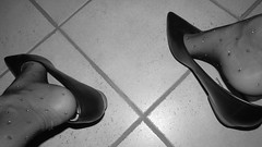 "vintage pics - new ""Andres Machado"" leather pumps (Isabelle.Sandrine2001) Tags: hose pantyhose legs feet tattoos anklet shoes leather ballet flats ballerinas pumps low kitten heels shoeplay dangling favoriteandresmachadokittenheelsvintageshots"