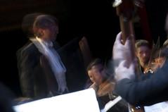 Música fantasma (Guillermo Relaño) Tags: guillermorelaño nikon d90 teatro nuevoapolo orquesta camerata musicalis especial ¿porqueesespecial schuman sinfonía cuarta concierto director conductor
