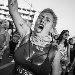 Marcha feminista 8M, día internacional de la mujer (sebasolau) Tags: grito photojournalism fotoperiodismo woman lucha retrato canon chile arica 8marzo 8m feminista feminismo blancoynegro streetphotography photo protesta marcha mujeres