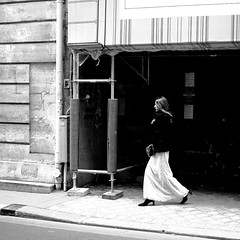 The fine-dressed woman (pascalcolin1) Tags: paris femme woman élégante finedressed lumière light ombre shadow photoderue streetview urbanarte noiretblanc blackandwhite photopascalcolin 50mm canon50mm canon