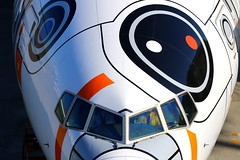 Graphic... (Manuel Negrerie) Tags: ana nippon airways boeing 777381er bb8 livery ja789a hnd nh haneda airport closeup starwars design graphic travel sightseeing canon photography technology japan aviation plane