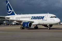 Tarom / A318 / YR-ASD / EBBR (_Wouter Cooremans) Tags: brusselsairport bru ebbr zaventem spotting spotter avgeek aviation airplanespotting tarom a318 yrasd