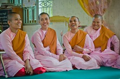 Four (Mariasme) Tags: nuns myanmar buddhist four laughing pink pregame