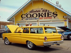 Yellow overload (novice09) Tags: backtothefifties carshow falcon ford 1964 stationwagon yellow ipiccy