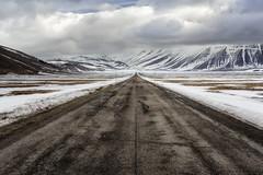 Straight ahead (Leonardo Del Prete) Tags: castelluccio norcia pianogrande sibillini parconazionale nationalpark snow neve nuvole clouds montisibillini umbria road strada