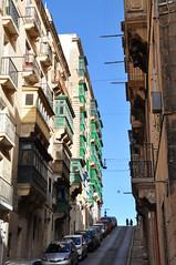 The steep streets of Valletta (DameBoudicca) Tags: malta malte マルタ valletta lavaleta lavalette lavalletta バレッタ street gata strase calle rue strada 道 streetshot streetphotography