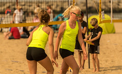 Team Yellow. (Alex-de-Haas) Tags: 70200mm d750 dutch nederland nederlands netherlands nikkor nikon scheveningen zuidholland beach beachvolleyball beachvolleybal beachwear bikini competitie competition evenement event female fit fitdutchies fitness fun game girl girls jeugd meisje meisjes plezier sand sport sports sportswear strand summer sun sunny swimwear teen teenager teenagers teens tiener tieners volleybal volleyball vrouw vrouwen wedstrijd woman women youth zand zomer zon zonnig