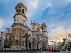 Catedral de Cádiz (LpuntoQpunto) Tags: iglesias cádiz atardecer sunset andalucia spain españa horadorada goldenhour