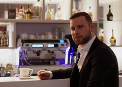 Olaf (ingrid eulenfan) Tags: fotoshootings model mann men innsideleipzig bar lobby 2019 kaffeepause pausecafé coffebreak 365project kaffee espresso cappuccino cup coffeepot tasse coffee togo getränke