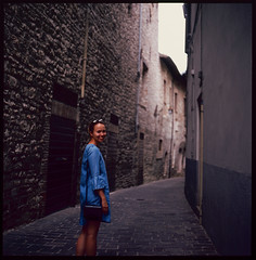 Streets of Umbria (MikkoPylkko) Tags: hasselblad 500cm carl zeiss planar 80mm fuji provia 100f rdp iii epson v700 betterscanning italy umbria portrait