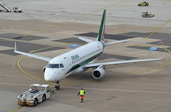 Alitalia CityLiner EI-RDJ (tubemad) Tags: eirdj alitalia cityliner embraer erj175 e175 dusseldorf international airport eddl az421