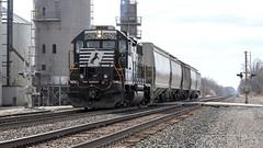 NS B42 Local at Wawaka (Troy Strane) Tags: railroad tracks train locomotive local ns norfolksouthern chicagoline wawaka indiana frick conductor trainee brakeman gradecrossing nikon d850 b42