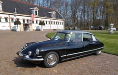 (Uno100) Tags: citroen id ds 19 20 21 black orange club dag day snoek 2019 apeldoorn het loo netherlands paleis blue green grass
