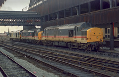 37419 and 430, Manchester Victoria (Get my anorak George) Tags: 374 englishelectric clubtrains1991 37419 37430 cwmbran manchestervictoria wallside