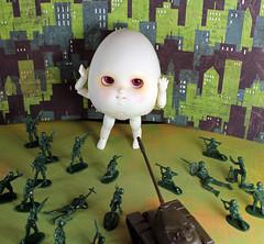 Extra-large (bentwhisker) Tags: doll bjd resin anthro egg soom neoangelregion humptydumpty 5227