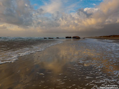 fin de journée sur la grève (Paul Kerrien) Tags: reflet finistere bzh paysage bretagne bigouden rivage soir crépuscule
