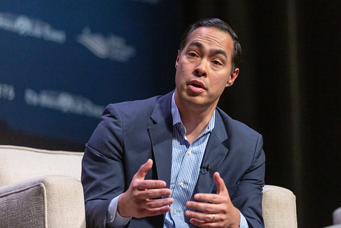 Julian Castro speaking at the Heartland by Lorie Shaull, on Flickr