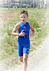 Concentration (Cavabienmerci) Tags: triathlon 2017 neunkirch switzerland suisse schweiz kid child children boy boys run race runner runners lauf laufen läufer course à pied sport sports running triathlete