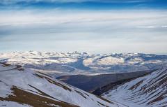 En la cumbre (candi...) Tags: montañasnevadas nieve montañas cielo invierno frío naturaleza nature airelibre nubes sonya77ii