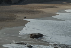 Coruña by day - Alone on the beach. (Dirk Bontenbal) Tags: atlántico agua beach coruña galiciaatlantica k50 lacoruña mar orzánbeach pentax playa people ricohpentax seaside streetphotography urbantexture orzán sea