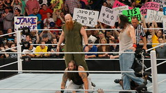 2014-04-07_19-43-48_NEX-6_DSC01034 (Miguel Discart (Photos Vrac)) Tags: 2014 208mm 6persontag bige braywyatt catch combatdelutte e18200mmf3563 erickrowan focallength208mm focallengthin35mmformat208mm highiso iso3200 johncena lukeharper lutte mainevent nex6 rawlive sheamus sony sonynex6 sonynex6e18200mmf3563 sport wrestling wrestlingmatch wwe wwemainevent wwerawlive