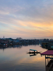 (Karunyaraj) Tags: sunset lake lakeview dal dallake boat water serenity peace boatvendor iphone iphone8plus iphoneography