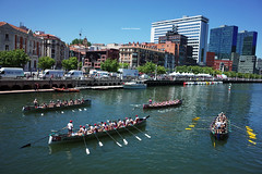 Boat Race in Bilbao (Iker Merodio | Photography) Tags: estropada boat race bilbao rowing bizkaia biscay basque country euskadi ricoh gr ii 2