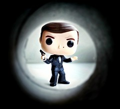 """Mmm, maybe I misjudged Stromberg. Any man who drinks Dom Perignon '52 can't be all bad."" (aaron.attenborough) Tags: 007 jamesbond rogermoore thespywholovedme movie cinema 1977 toyphotography toy funkopopvinyl funkophotography funkofamily funkocommunity funkocollection funkopop popvinyl"