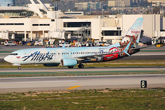 Alaska Airlines Boeing 737-890 N570AS (Mark Harris photography) Tags: spotting lax la canon 5d as alaska boeing 737