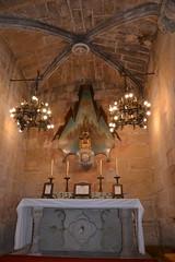 Altar i retaule modernista de la Mare de Déu de Montserrat, Església parroquial de Sant Salvador de Vimbodí (esta_ahi) Tags: vimbodíipoblet església parroquial santsalvador ipa13232 vimbodí concadebarberà tarragona spain españa испания josepmariajujol jujol altar retaule modernista marededéudemontserrat